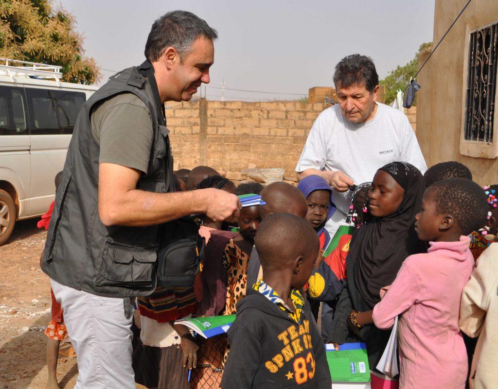 distribution_materiel_scolaire_vie_et_partage