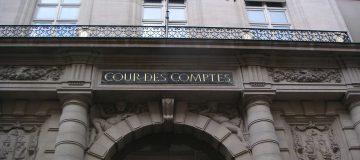 Cour_des_comptes_Paris_entrée - Rapport-Securite-Sociale-2018-logiciel-winlassie